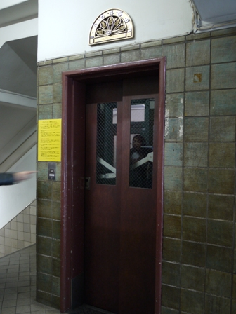 エレベーター2