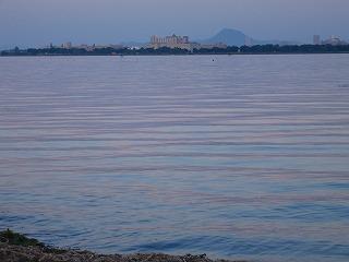 ピンクの琵琶湖