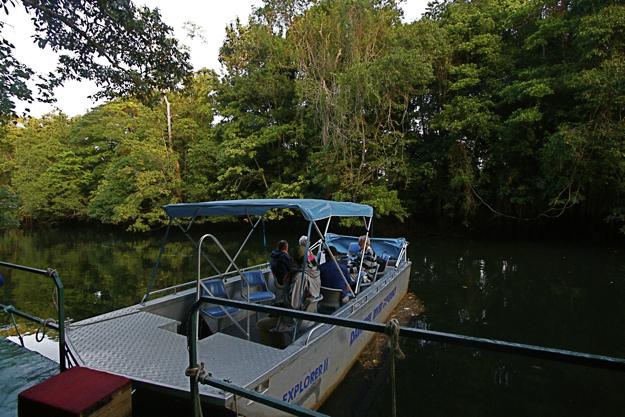 2306ディンツリー川船