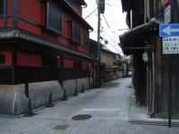 祇園の板塀。色っぽい。