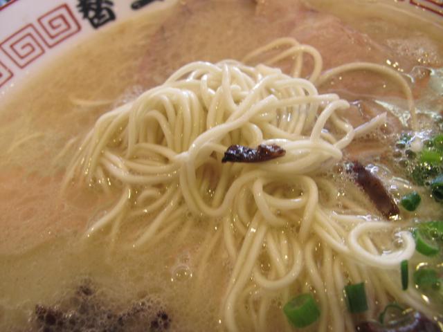 替玉屋の麺