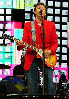 Paul_McCartney_on_stage_in_Prague.jpg