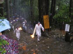 火祭り 走 2