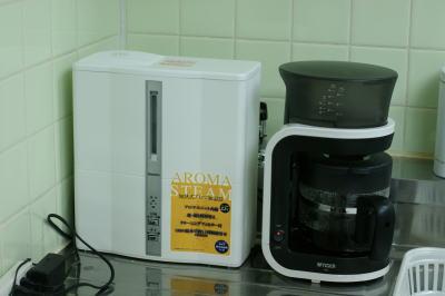 加湿器とコーヒーメーカー