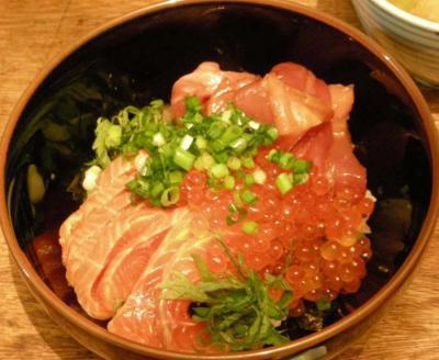 海鮮丼が大好きです!いくら、サーモ、まぐろがたっぷり!ピカピカ!つやつや!2008.2.2