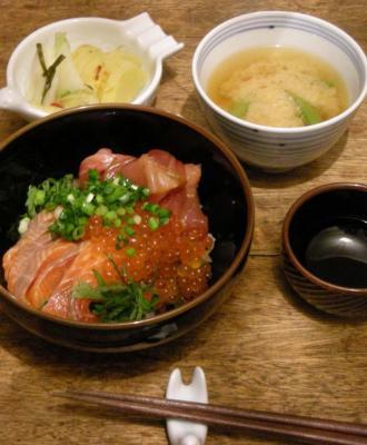 海鮮丼が大好きです!いくら、サーモ、まぐろがたっぷり!丼!丼!丼!2008.2.2