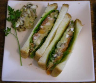 ペリカンのパンでサンドイッチ!サーモンとジャガイモとマッシュルーム 2008.4.29