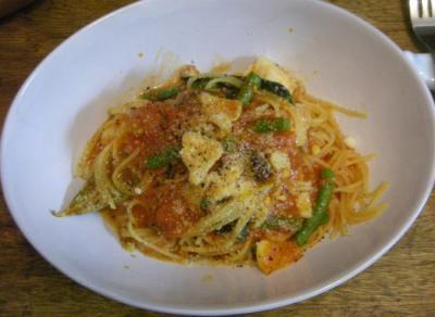 鱈といんげんとバジルのトマトソースのパスタ チーズをたっぷり! 2008.5.9