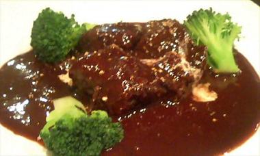牛肉のワイン煮