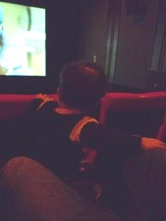 映画を観るTsubaki