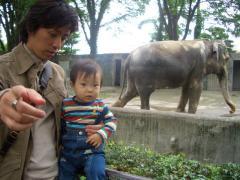 象の花子さんとパチリ