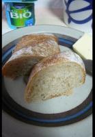 ライ麦酵母のパンで朝食