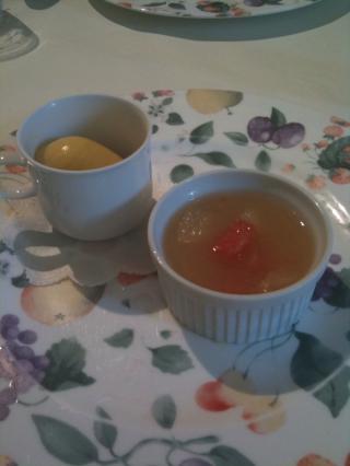 マンゴーのジェラートとグレープフルーツのゼリー