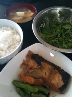 カレイの煮付・かぶの葉と白子の白ごま和え・かぶと油揚げのお味噌汁