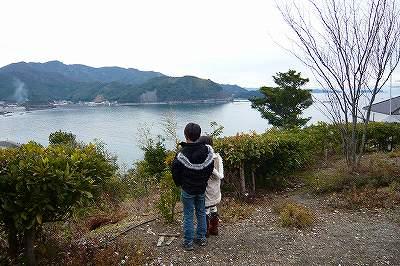 海を眺める二人