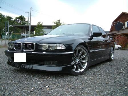 BMW740.jpg