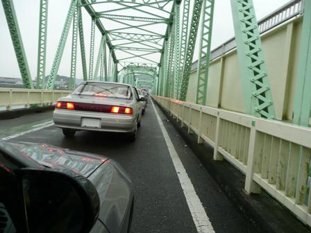 自然渋滞 追突注意