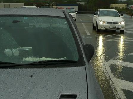 雨の高速 教習車
