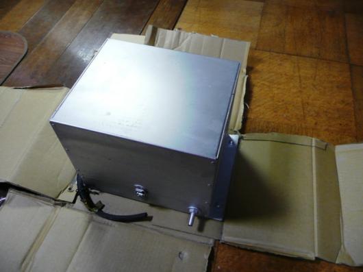 汎用バッテリー移動用アルミケース