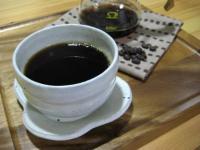 コーヒー豆柄の手ぬぐいで。