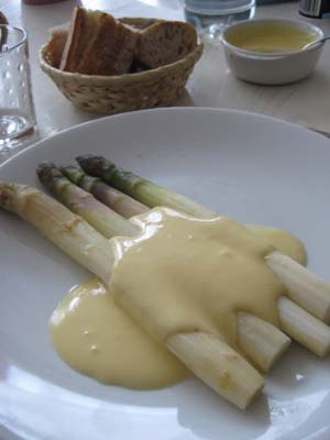 asperge blanc sauce hollandaises