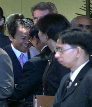 外交タロー:20070801ASEAN拡大外相会議1「ロムロ外相と」