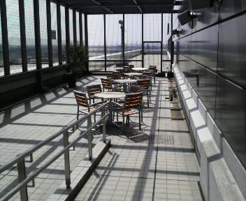 空港のモール1