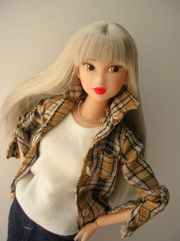 Tin Girl11