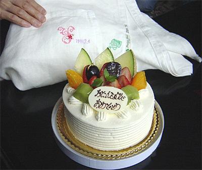ケーキとリネンシーツ