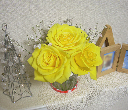 2007120612月の部屋花