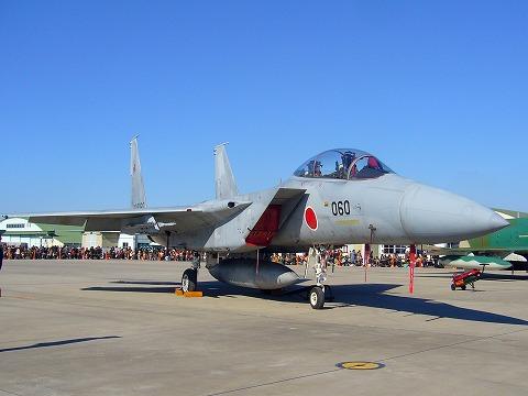 F-15。