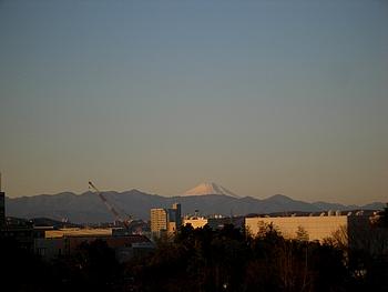 初日の出に輝く富士山