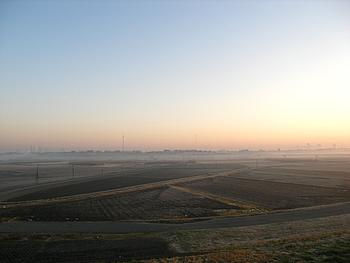 霧が発生した幻想的な景色