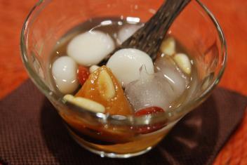 韓国の冷たい干し柿汁粉