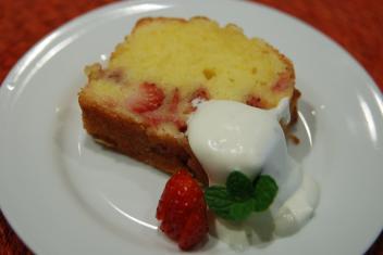生いちごのパウンドケーキ