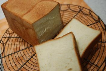 イースト四角食パン2