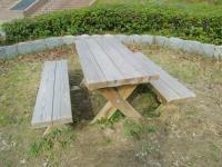 休憩テーブル