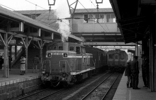 19761123和歌山線・北宇智ほか445-1