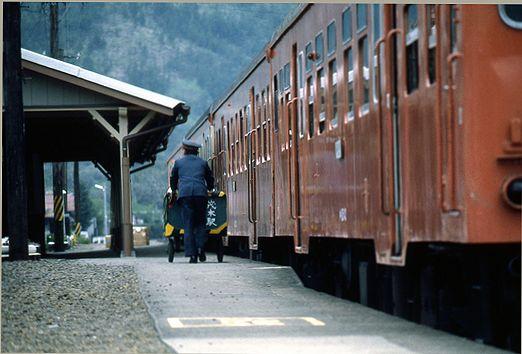 1981年真岡線717-1