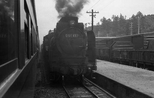 19720528関西線柘植駅897-1