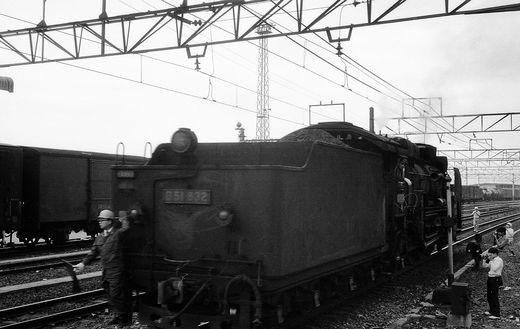 19720528関西線柘植駅896-1