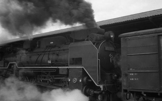 19720528関西線柘植駅879-1
