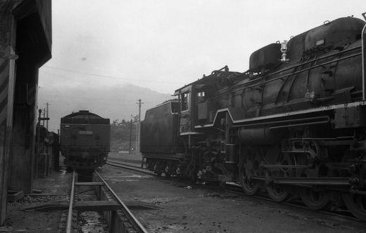 19720528関西線柘植駅867-1