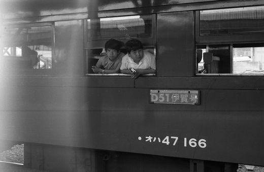 19720528関西線柘植駅887-1