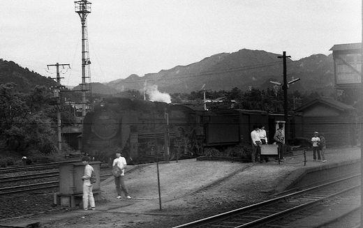 19720528関西線柘植駅888-1