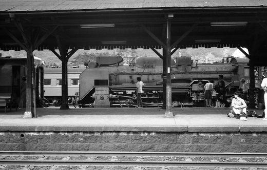 19720528関西線柘植駅876-1