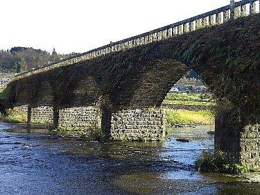 緒方町 石橋