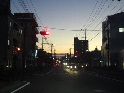 街の夜明け