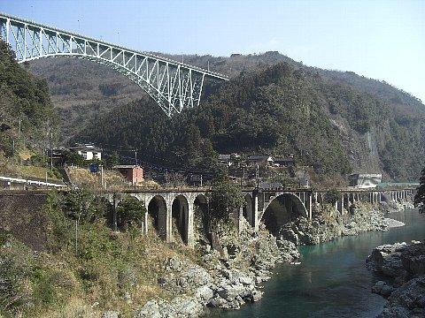 綱の瀬橋梁