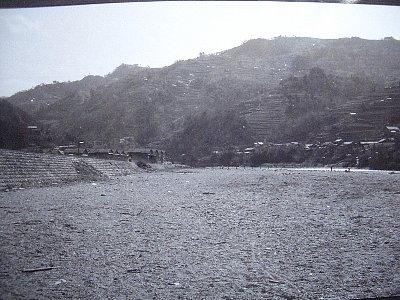 貞光川川原